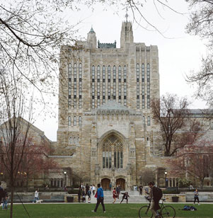 Students involved with Christian Union's ministry at Yale College displayed a penchant for prayer and a sensitivity to promptings of the Holy Spirit in the fall semester.